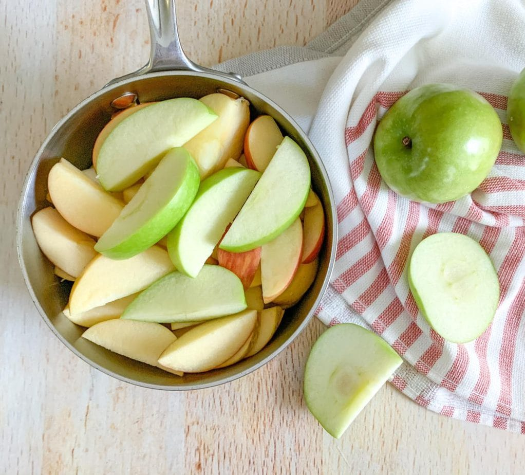 How to make Homemade Unsweetened Applesauce from Scratch