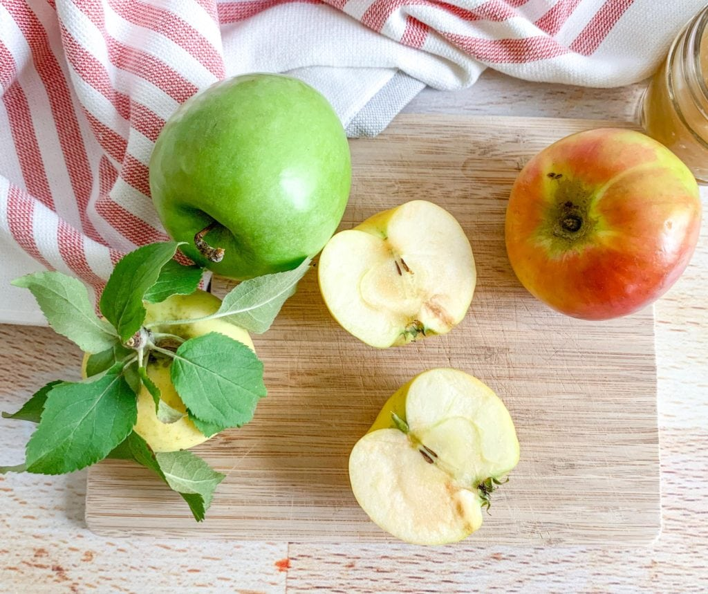 Which apples are best to use in an apple pie recipe from scratch?