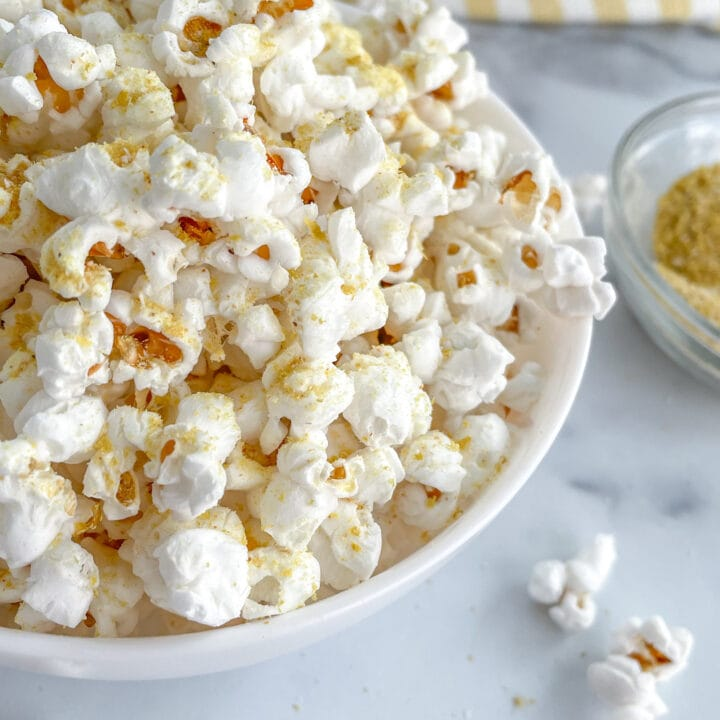 Healthy Popcorn with Nutritional Yeast Seasoning