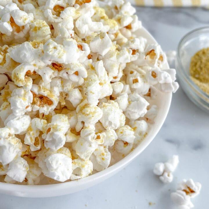 Healthy Popcorn with Nutritional Yeast Seasoning