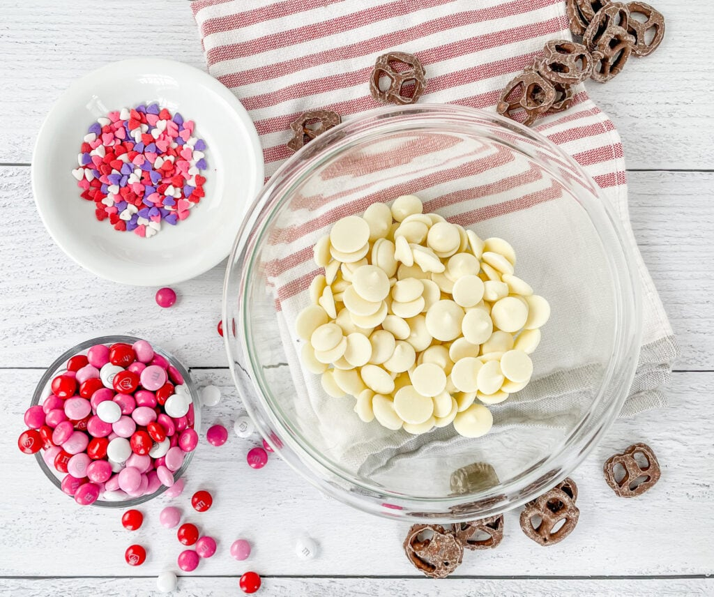 Ingredients For Valentine's Snack Mix