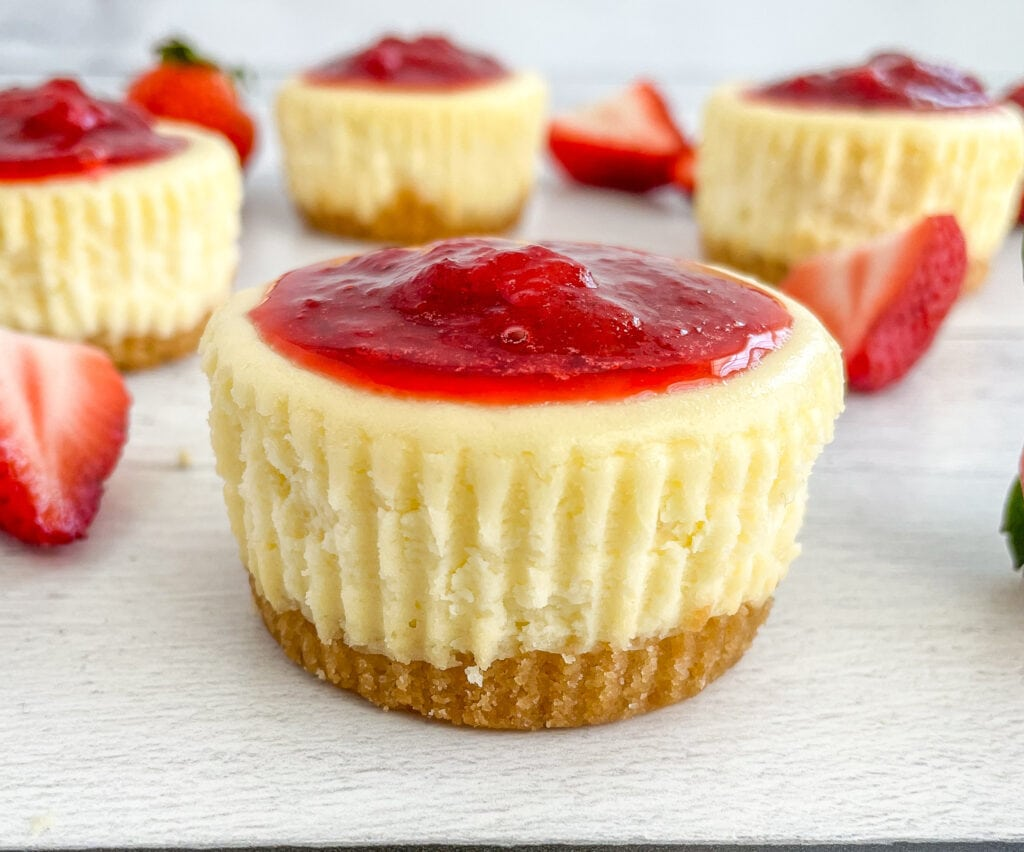 Mini Strawberry Cheesecakes for Easter and Spring