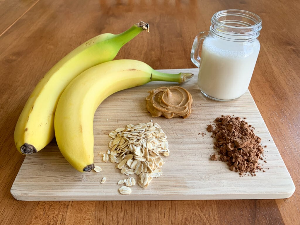 Ingredients to make the smoothie