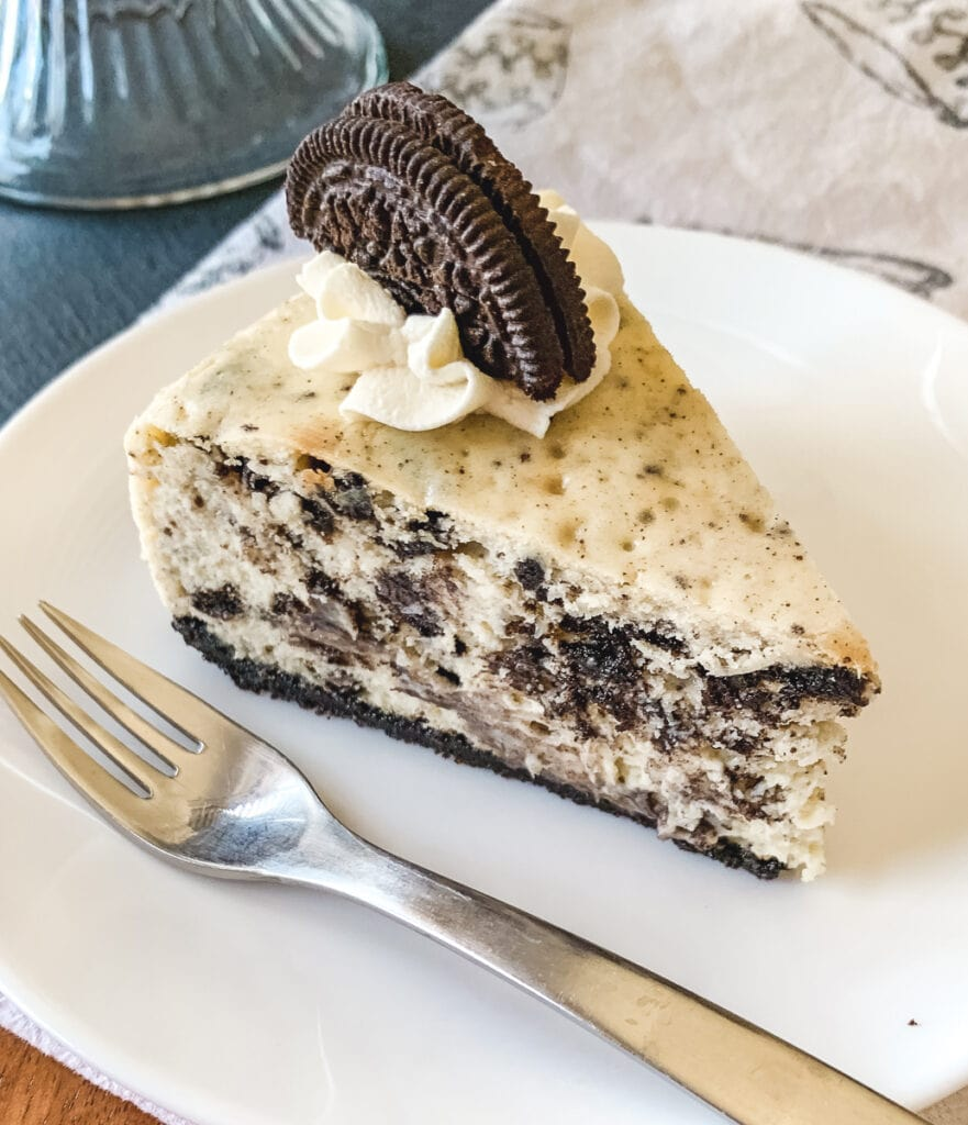 A serving of Cookies and Cream Cheesecake