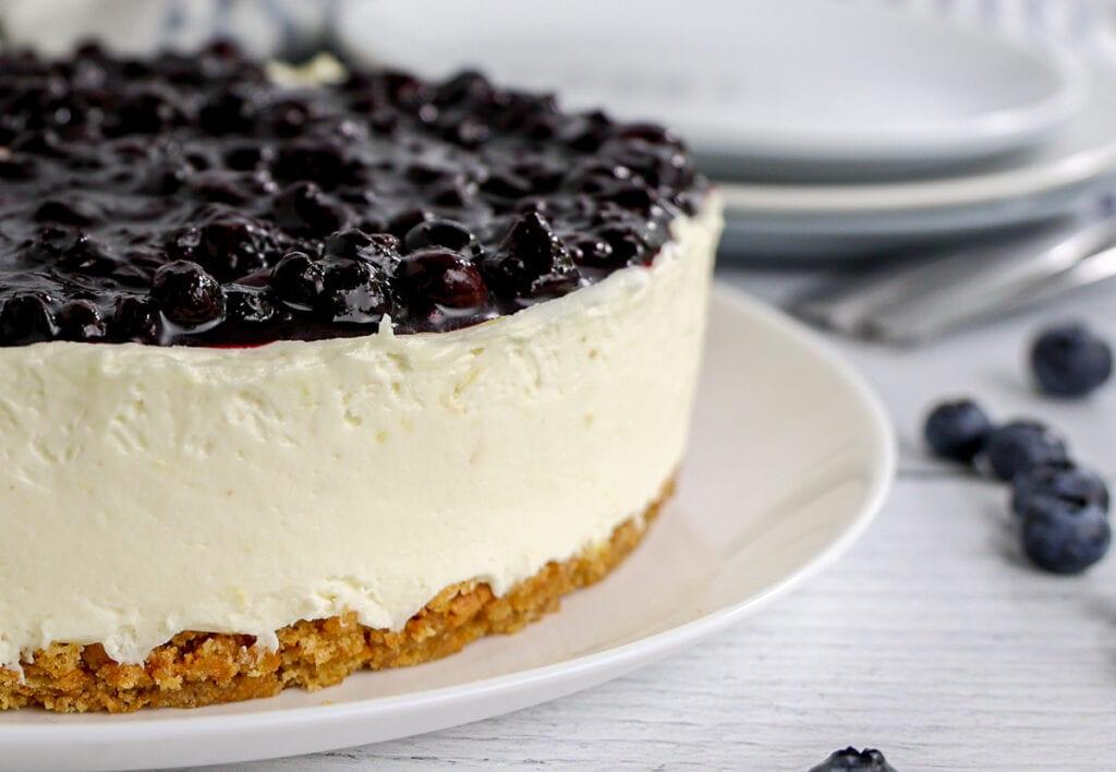 Tips for making the best lemon blueberry cheesecake